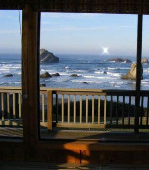 Beach Cottage and Duplex, Sunset Oceanfront Lodging